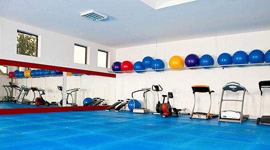 four-things-incorporate-fitness-center-lighting-design